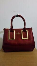 New Mengdiya Handbag. Red Colour, 3 Inner Dividers, Zip Closure. FREE POSTAGE!!