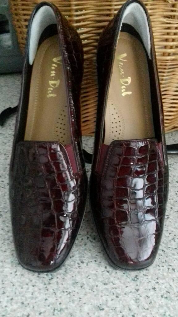 van dale shoes