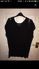 Size 16 label lab black top