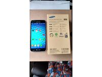 Smartphone Samsung s5 A class condition comes with all in pic unlocked had new looked after
