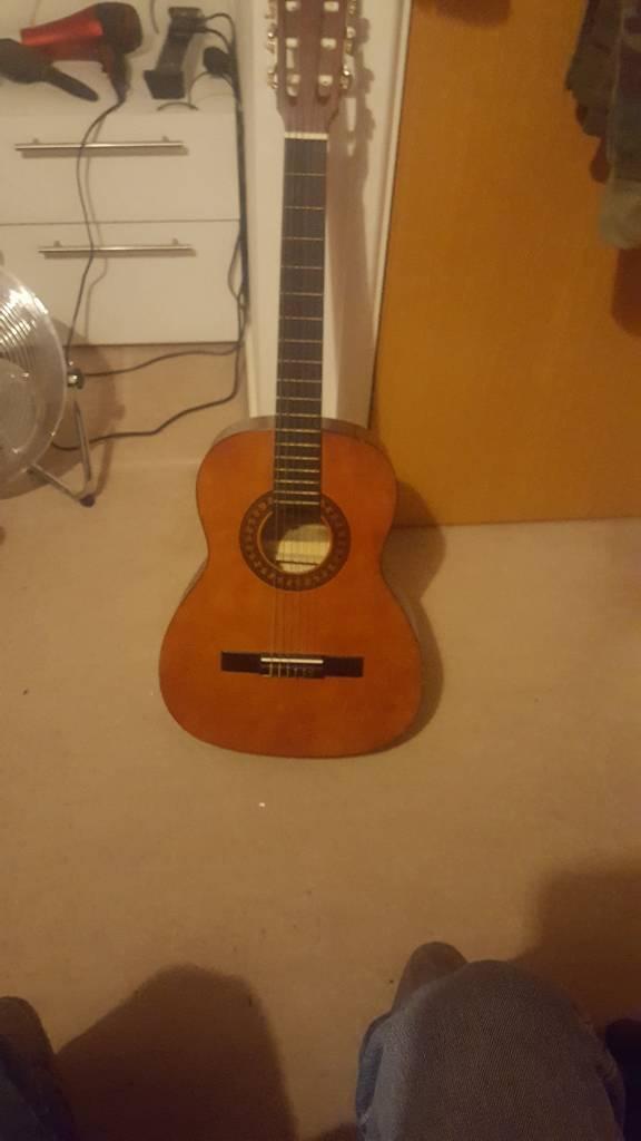 Acoustic guitar 3/4 size