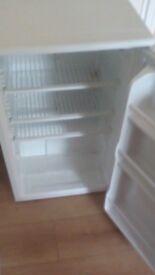 Fridgemaster undercounter fridge