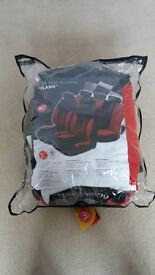 Car seat covers in red & black