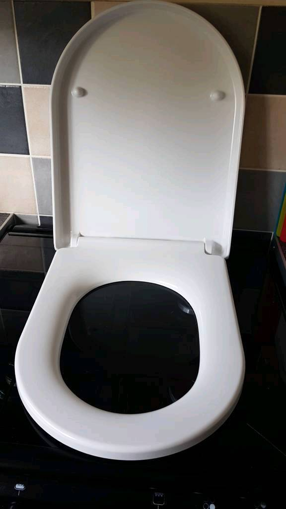 White Toilet Seat BNIB