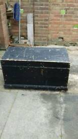 Vintage wooden trunk / chest