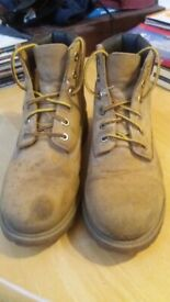 68c39dc6d7 Boys classic Timberland boots size 3M in VGC no wear to soles