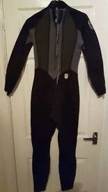 C-Skins Wetsuit in Excellent condition. Size 10.