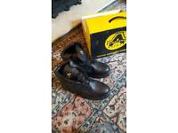 Brand new safety boots size uk10 44