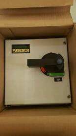 FUSESTAR 190323NF 32A TP & N HOUSED FUSED COMBINATION UNIT WITH 32A FUSE NEW IN BOX