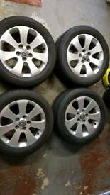 Vauxhall Insignia sri with 2 winter tyres