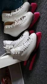 1 pairs of white ice skates