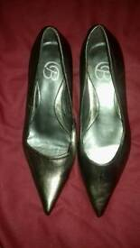 Dorothy Perkins low heel shoes size 3