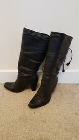 Womens black boots size 4 with boot stretchers