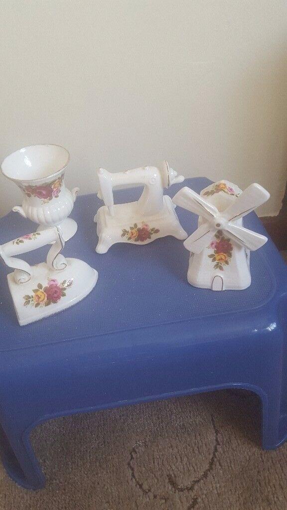 four cottage rose ornaments
