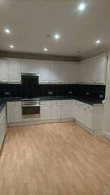 Beautiful spacious 3bedroom 2 reception house in Redbridge