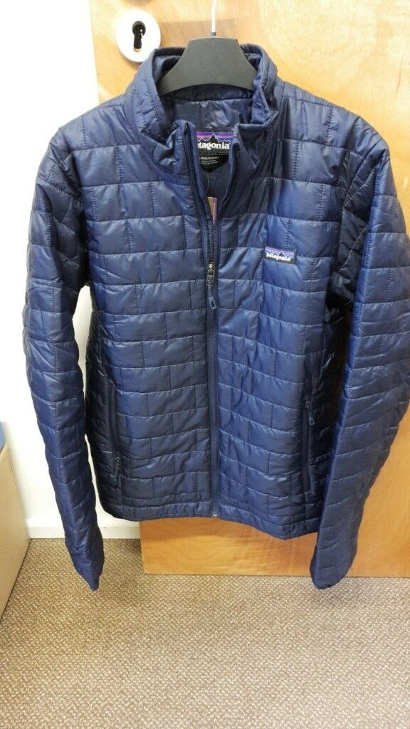 5813287dc30 Patagonia Men s Nano Puff Jacket in Classic Navy - Small