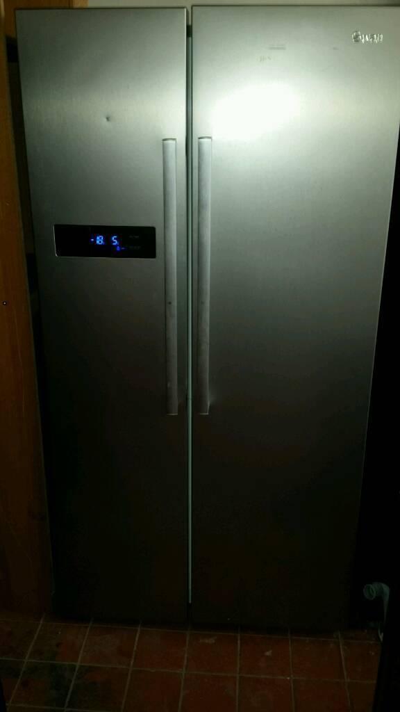 Swan solver American style fridgefreezer 90 cm new