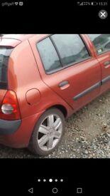 """Renault clio rare 16 """"alloys x4 please read."""