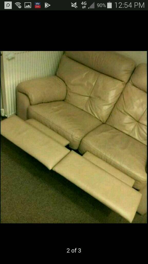 Barker and Stonehouse 3 and 2 seater recliner