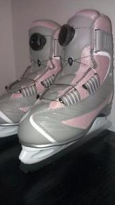 Reebok BOA Skates Misses Girls too sizes available 2  & 3  LIKE NEW IN BOX  cable system skates easily tightened