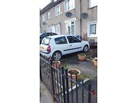 Hi I am selling my wee Renault Clio mot September