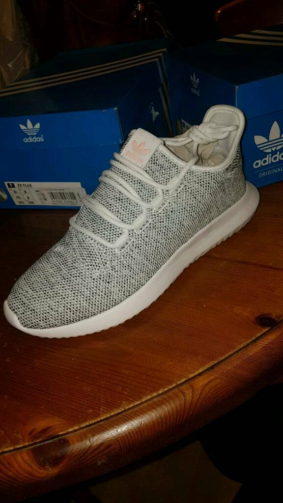 Adidas Tubular Size 7