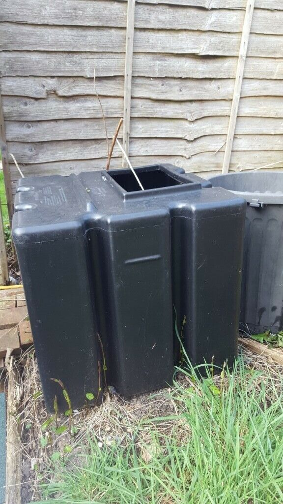 Square black water tank | in Luton, Bedfordshire | Gumtree