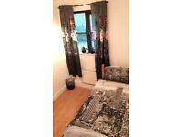 Single bedroom in newly renovated flat with garden and parking