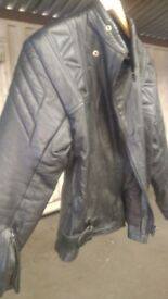 MOTORCYCLE BLACK LEATHER JACKET UK SIZE 42 IN VERY GOOD CONDITION AVAILABLE FOR SALE
