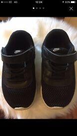 Nike trainers 8.5 kids