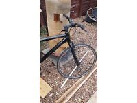 carerra subway hybrid fixie single sprocket good condition every thing works as it should good bike