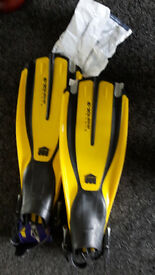 BRAND NEW pair of Mares Dive Fins - Avantix-3 in bag with tags