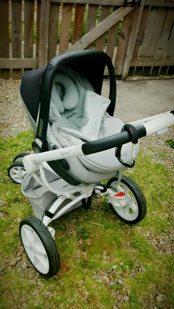 Quinny mood pramin Bradford, West YorkshireGumtree - Prams been used only 7 months. In very good condition.Contact 07450281623 sms only please