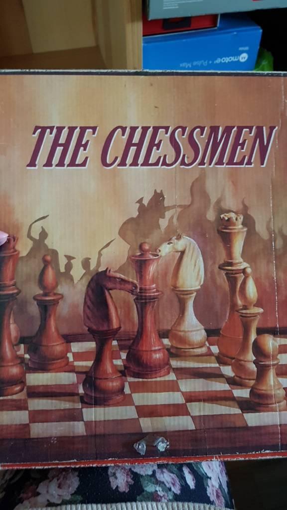 Merlin chess set