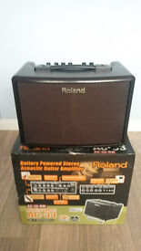 Roland AC-33 Rosewood Acoustic Guitar Amp Excellent condition (3 inputs) (looper and effects)