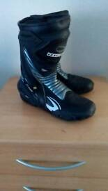 Motorcycle boots(10)