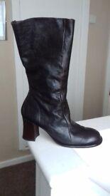Unused , high quality genuine leather ladies fashion boots. Size 41 ( 7.5 Uk)