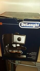 Delongi coffee making machine 20.00 ono