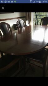 Extenting mahogany dining table (no chairs)