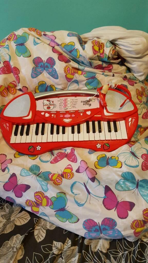 Hello kitty piano new