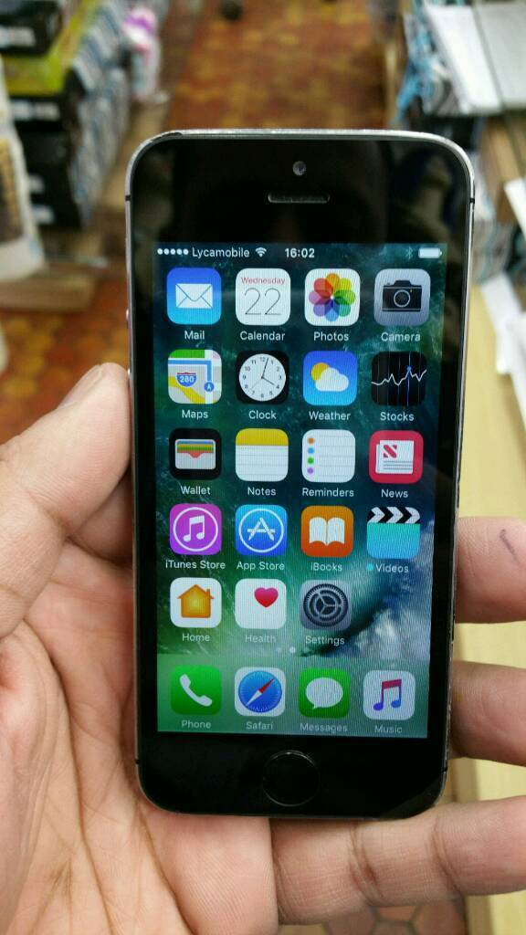 IPHONE 5S UNLOCK ANY NETWORKin Longsight, ManchesterGumtree - Iphone 5S 16gb unlock any network come with box and all accessories condition is you can see in pictures