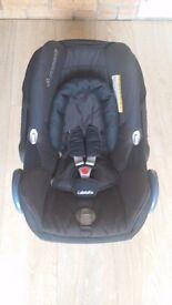 Maxi Cosi Pebble Car Seat in black