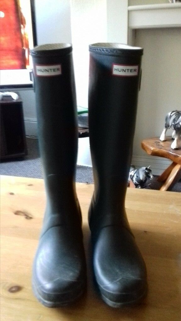 hunter wellington boots size 9