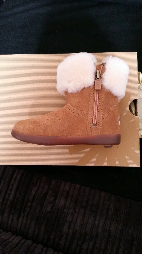 Brand New Genuine Childrens Ugg Boots UK Size 8, Brown never wornin Enfield, LondonGumtree - Brand new never worn Ugg Jorie II Boots UK size 8 Chestnut Brown Sole lined and trim Bought for £45 Selling for £30 Can collect from EN1 Bush Hill Park area for cash on collecton