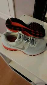 (new) nike trainers size 5.5