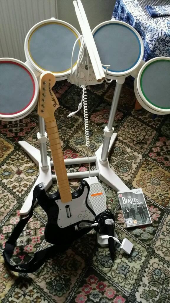 Wii Beatles Rockband set