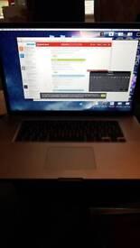 """17"""" MacBook pro (2011) i5 500 ono"""