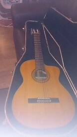 1991 Takamine EC-132C solid woods Acoustic/Electric Classical Nylon String Guitar good condition.