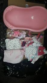 Baby bath and baby clothes size 0-6 mon
