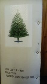 green christmas tree 4ft tall (122 cm) artificial very good condition in the box collection only